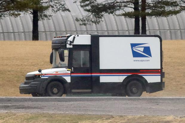 Here's a Spy Shot of the New U.S. Postal Service Van featured image large thumb2