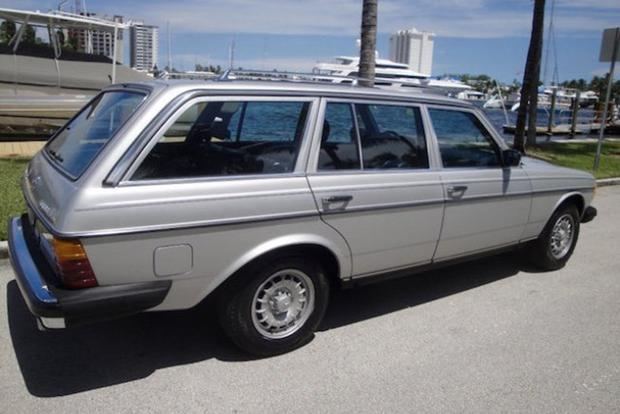 Autotrader Find: 1984 Mercedes-Benz 300TD With 95,000 Miles featured image large thumb1