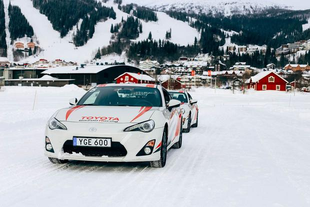 Toyota 86 Ice Driving in Sweden