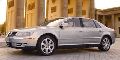 2004 Volkswagen Phaeton featured image large thumb0