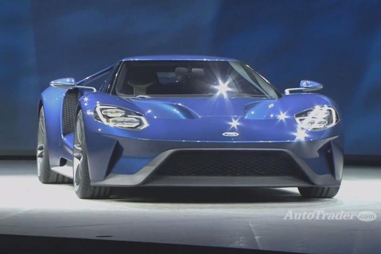 the all new ford gt is a lightweight high performance sports car that boasts an impressive mid engine design and carbon fiber construction - 2015 Ford Gt Auto Show