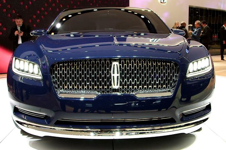 lincoln continental concept new york auto show video autotrader. Black Bedroom Furniture Sets. Home Design Ideas