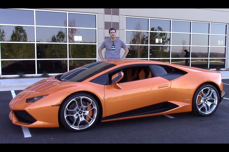 Here S Why The Lamborghini Huracan Is Worth 250 000 Autotrader