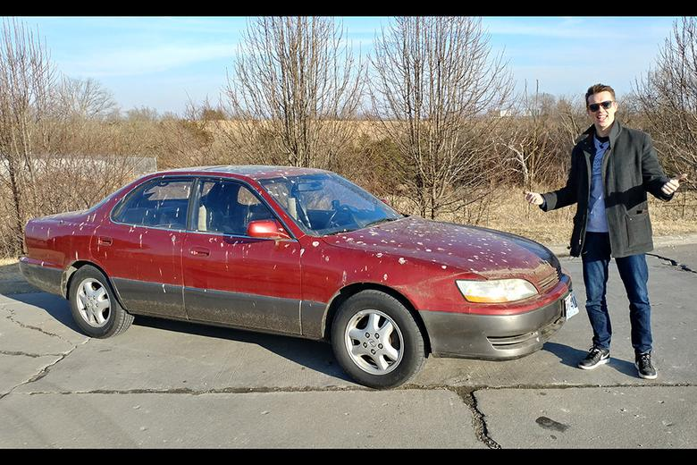 Video | Can this $200 Lexus ES300 Make it 300 Miles Home? - Autotrader
