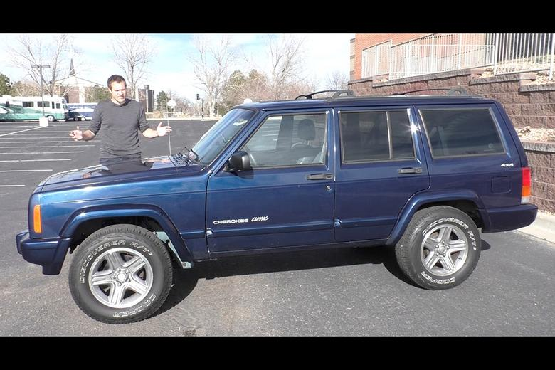 Jeep Cherokee Xj >> Video Here S Why Everyone Loves The Xj Jeep Cherokee Autotrader