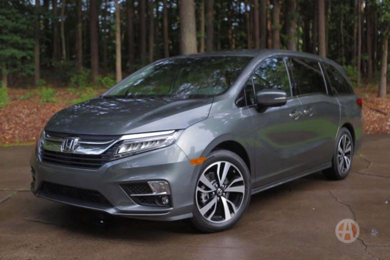 2018 honda odyssey real world review video autotrader. Black Bedroom Furniture Sets. Home Design Ideas