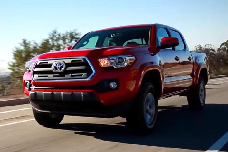 2016 toyota tacoma 5 reasons to buy video autotrader. Black Bedroom Furniture Sets. Home Design Ideas
