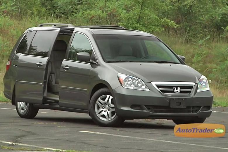 2005 2010 honda odyssey used car review video autotrader. Black Bedroom Furniture Sets. Home Design Ideas